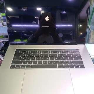 "MacBook Pro 15"" 2017 99.9%NEW"