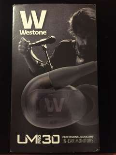 Westone UM pro 30 全套連盒包裝