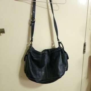 黑色軟皮袋
