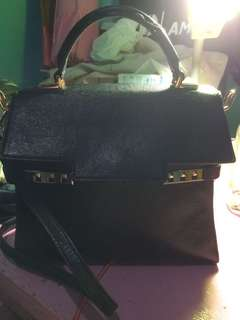 Tas charles and keith hitam original