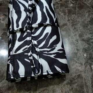 Zebra Wallet untuk perhiasan