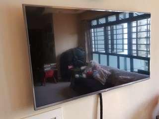 """LG 47"""" FHD Smart TV"""