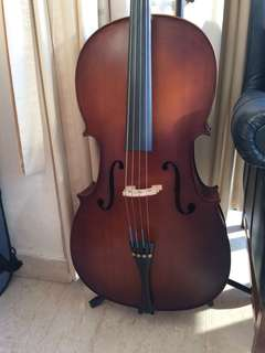Cello with stand (4/4)