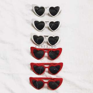 Heart eyes sunnies