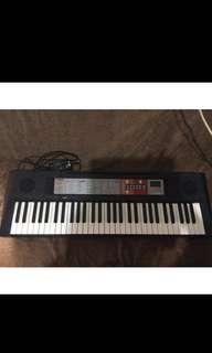 Yamaha PSR-F50 piano