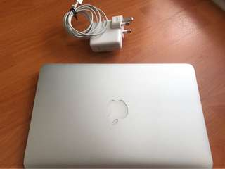 Apple Macbook 11 inch A1465 (Mid-2013) Core i5 - 1.3Ghz 8Gb SSD 256Gb High Spec