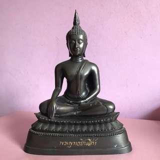 Phra phut ta chinnasri (sukhothai sitting buddha)