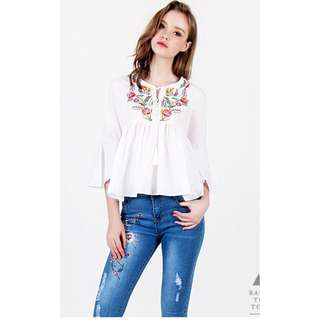 LOVET EMBROIDERY TOP