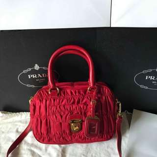 PRADA WINE RED