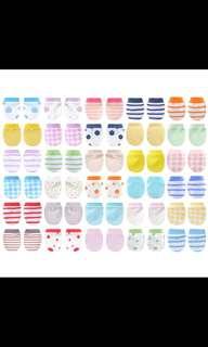 [Brand New] (0-6M) 3 Pair Baby Mittens