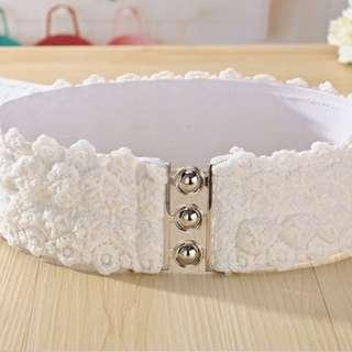 Lace belt - White color