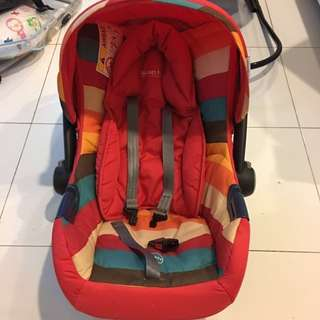Baby car seat [REDUCED PRICE]