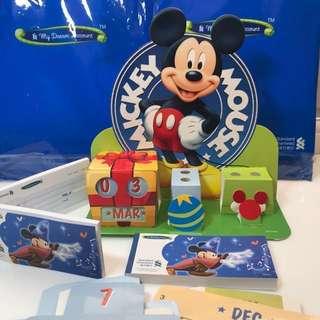 全新 迪士尼 限量紀念版 萬年曆 / 筆筒Disney Pen Stand Calendar / 玩具支票簿 - 渣打銀行 MyDream Account
