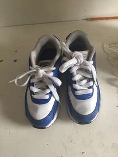 Boy's retro Nike air max