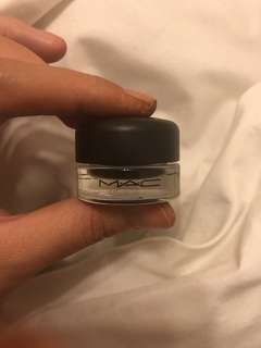 Mac fluidline gel eyeliner in blacktrack