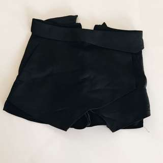 Basic Black Skort