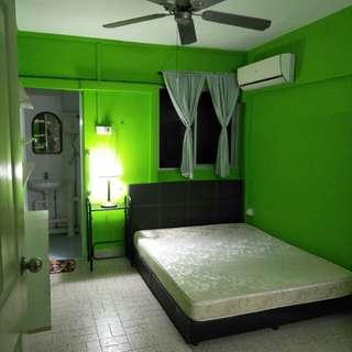 Blk 127 Ang mo kio. Master room