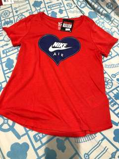 Nike Red Tee Girl~Large size (New)