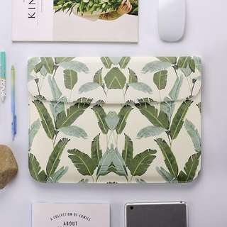 BN Instock Leaves Macbook Laptop Sleeve