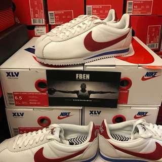 Nike Classic Cortez 阿甘男女復古白紅跑步鞋 882258-876873-101