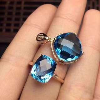 天然藍托帕石套裝 全淨體,主石戒指6*8mm吊墜方8*8mm 送鏈,此款屬於客製化商品