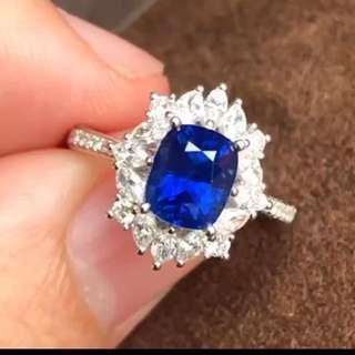已售,可訂造。無燒皇家藍🥂GIC證書~2.09克拉藍寶石鑽石戒指 主石2.09克拉,無燒,皇家藍評級,滿火彩,艷麗, 肉眼無瑕,18k金配vs鑽0.67ct,  18k white gold unheated royal blue 2.09ct sapphire ring with diamonds