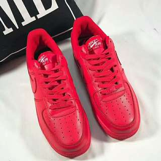 "Air Force 1 空軍低幫系列 魔力紅配色!著名""Red October​""主題壓陣的NIKE帶來這款全紅頭層皮打造的Air Force 1 Low"