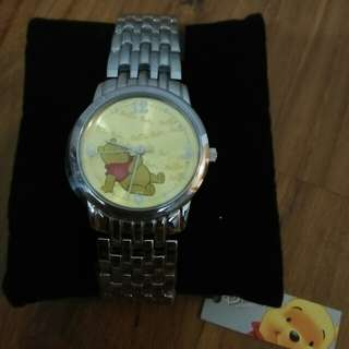 BRAND NEW AND NEVER USED! Official Disney Licensed Winnie the Pooh Watch