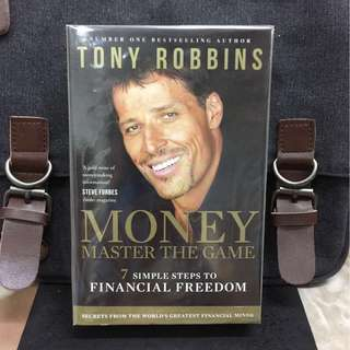 《Bran-New + Paperback Edition + Book Of Achieving Financial Freedom》Anthony Robbins - MONEY MASTER THE GAME : 7 Simple Steps to Financial Freedom