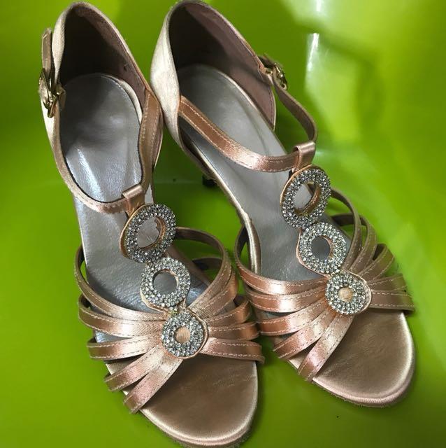 國標舞鞋鑲鑽極美23.5-24(鞋底狀況良好)
