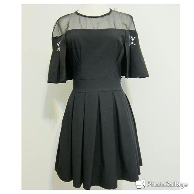 黑色修身顯瘦洋裝