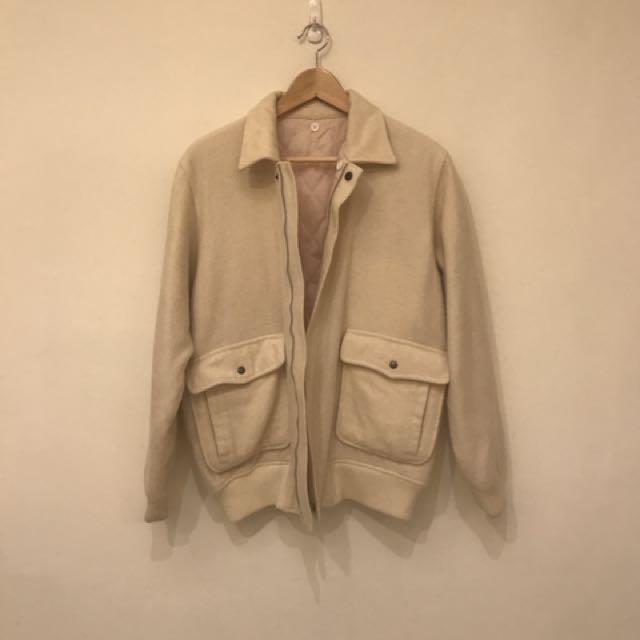 日本品牌米白色羊咩咩復古外套