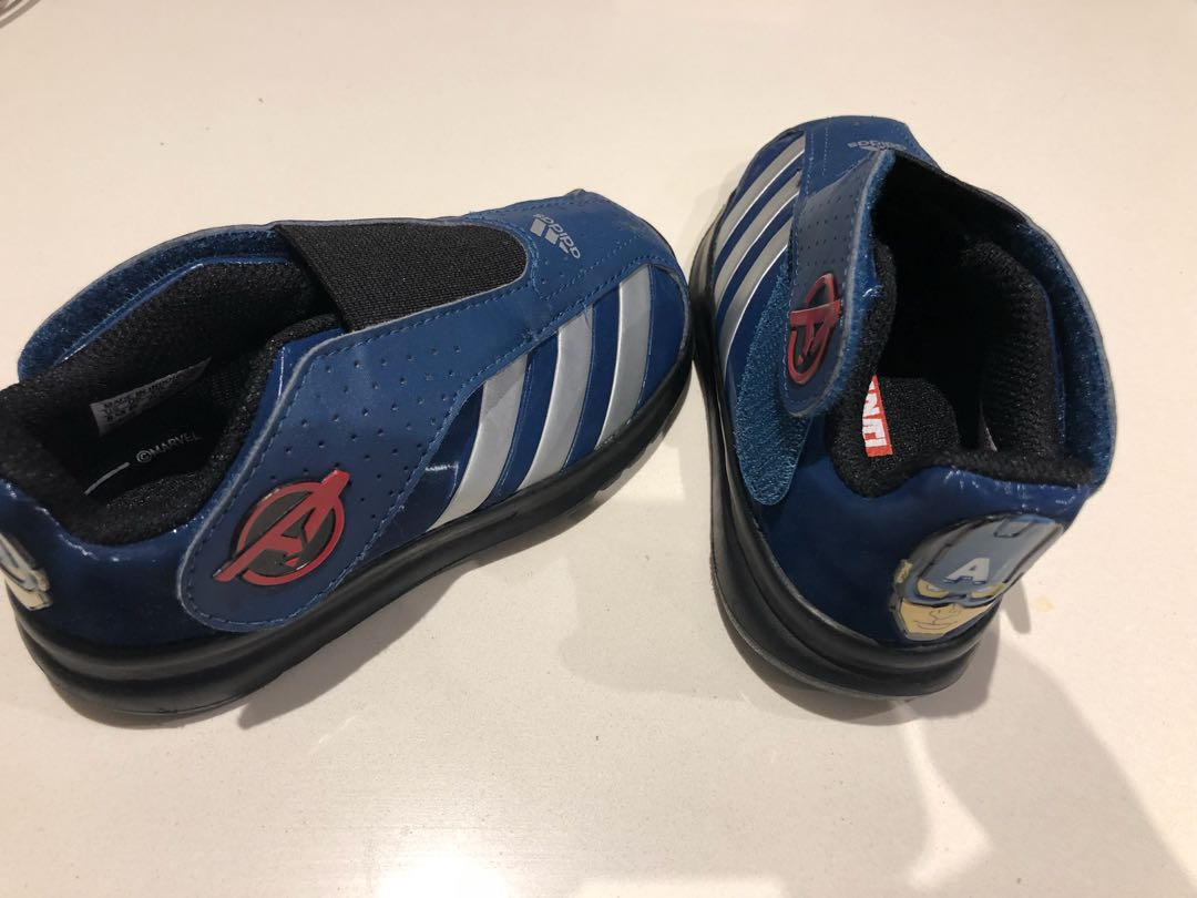 Adidas Captain America runners US 8.5 kids
