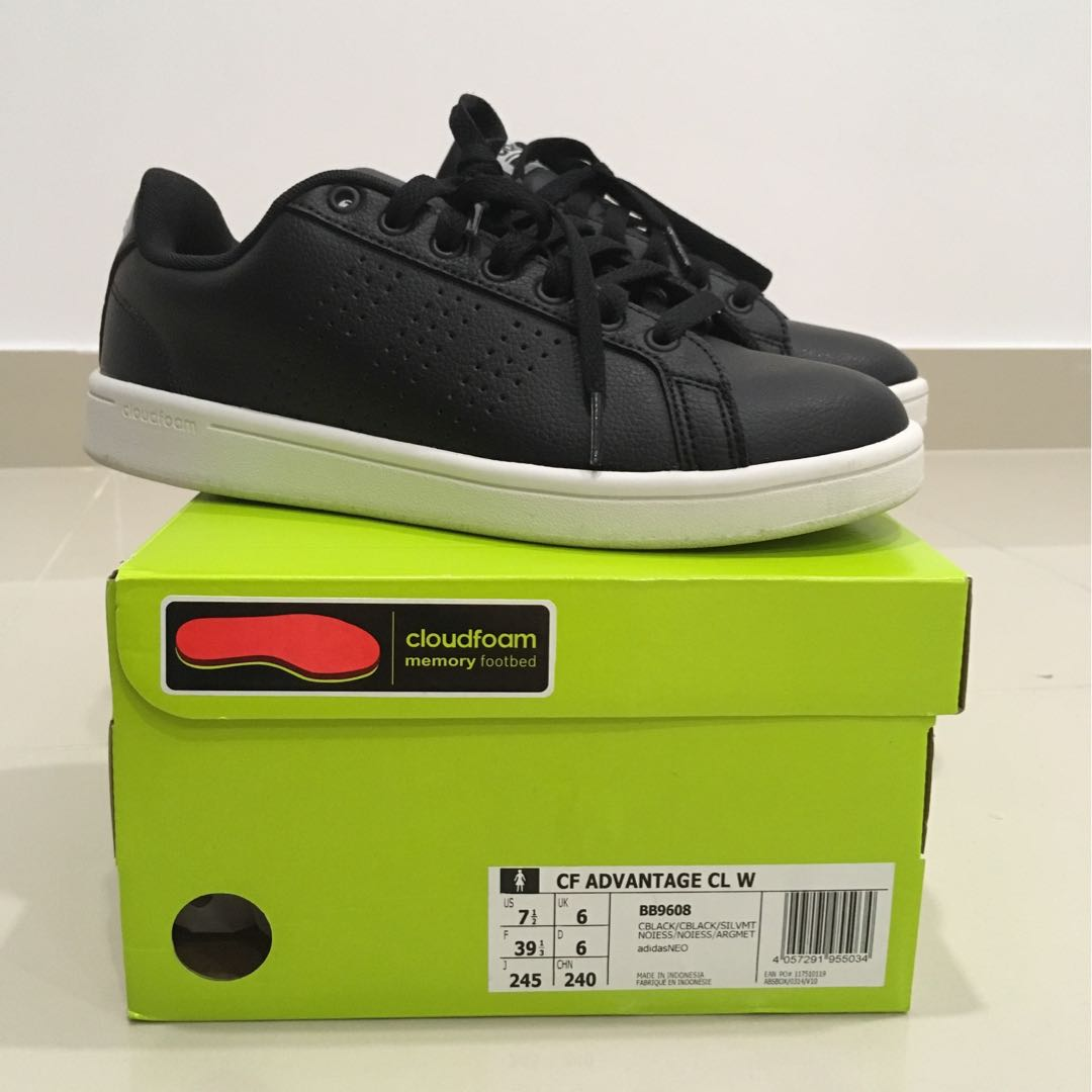reputable site 7d585 7db32 Adidas NEO cloudfoam shoe, Women s Fashion, Shoes on Carousell