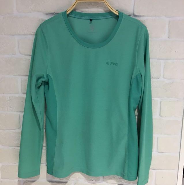 ATUNAS運動上衣,8成新,湖水綠,胸圍:36吋,衣長58cm