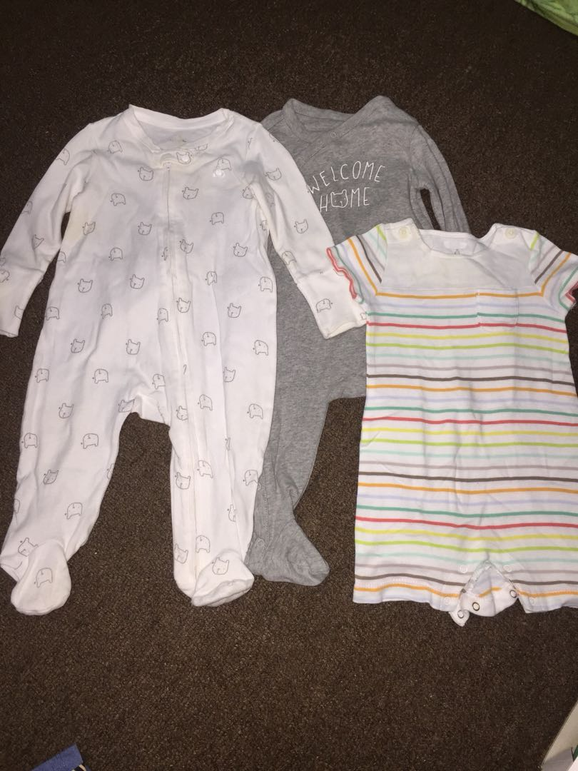 Baby Gap bodysuit set