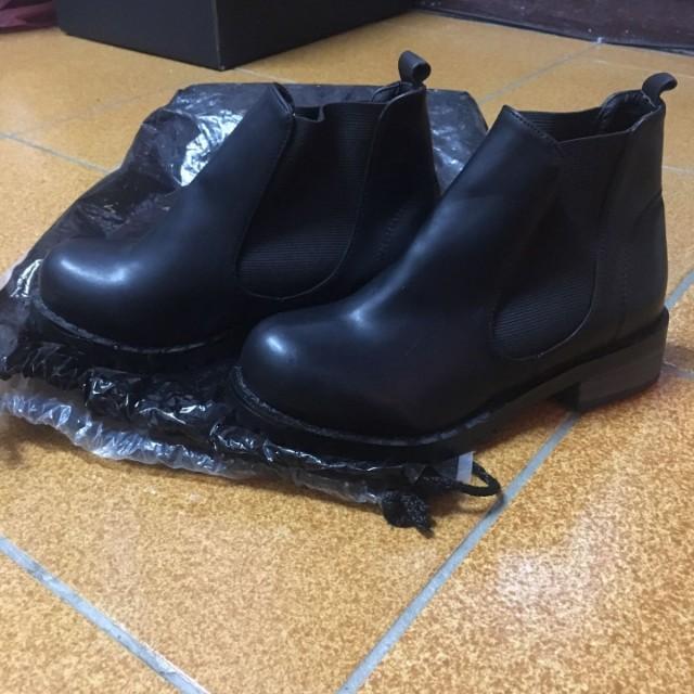 Chelesa boots