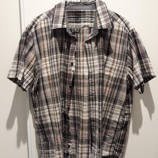 Chequered gray shirt