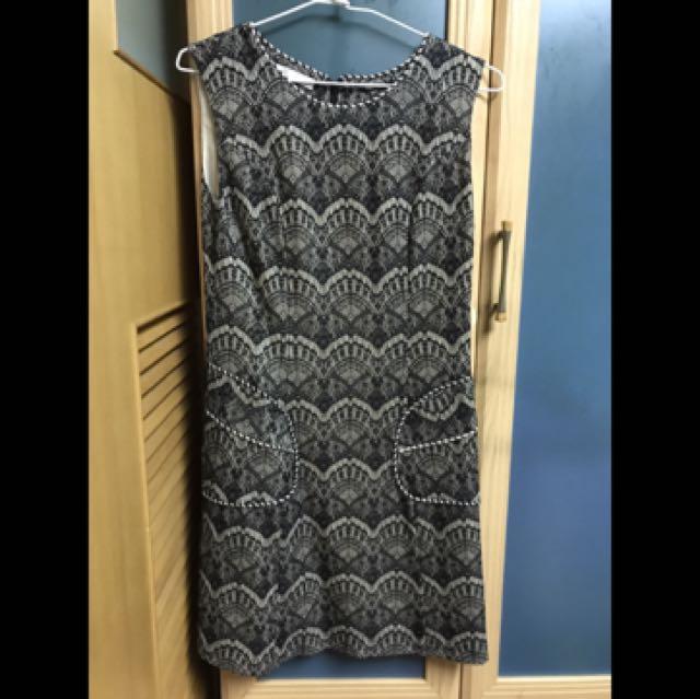 CHICA黑雕花蕾絲洋裝