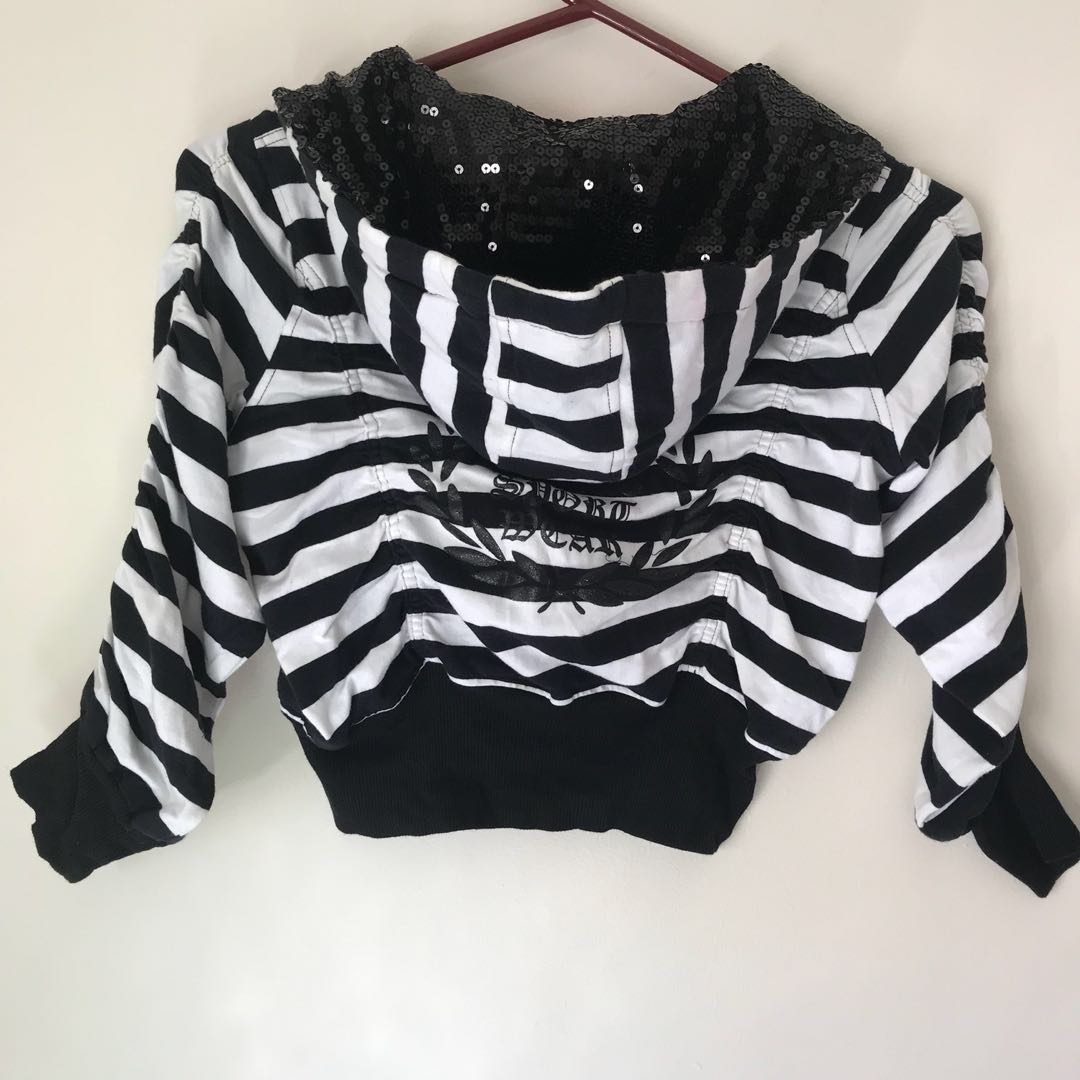 Crop hooded  jacket size XS-S