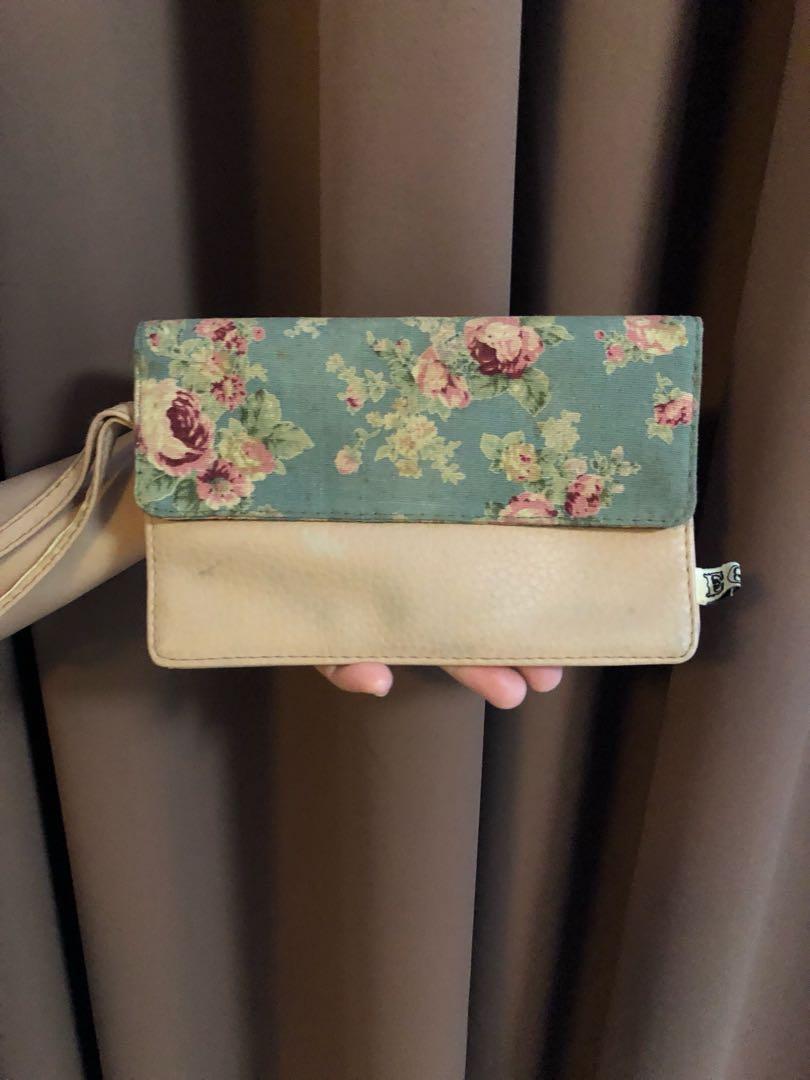 EGG Envelope Floral Pouch