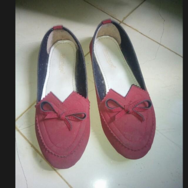 Flat merah