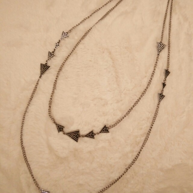 Two-tiered Necklacw