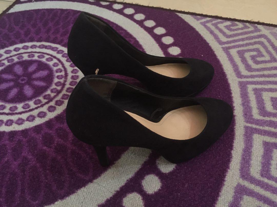 Heels hitam h&m