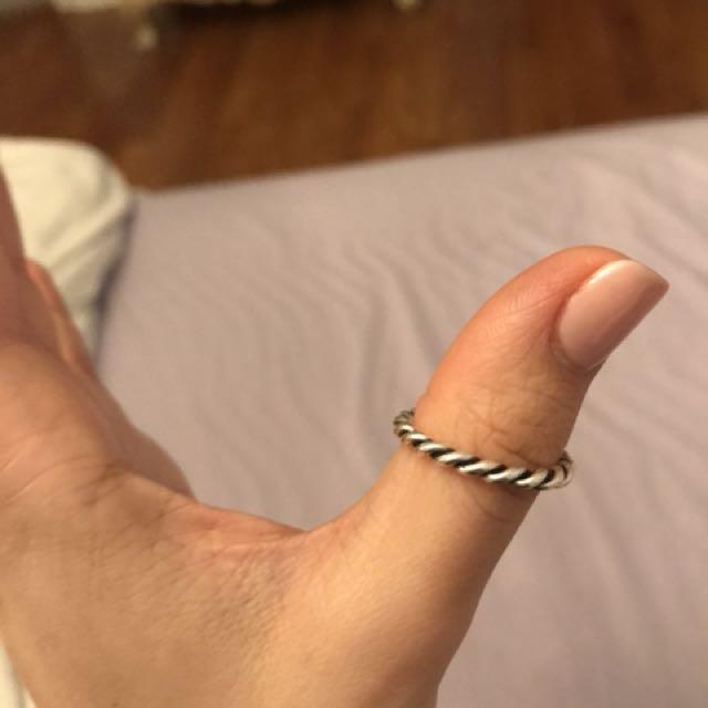 Intertwined pandora ring size 7