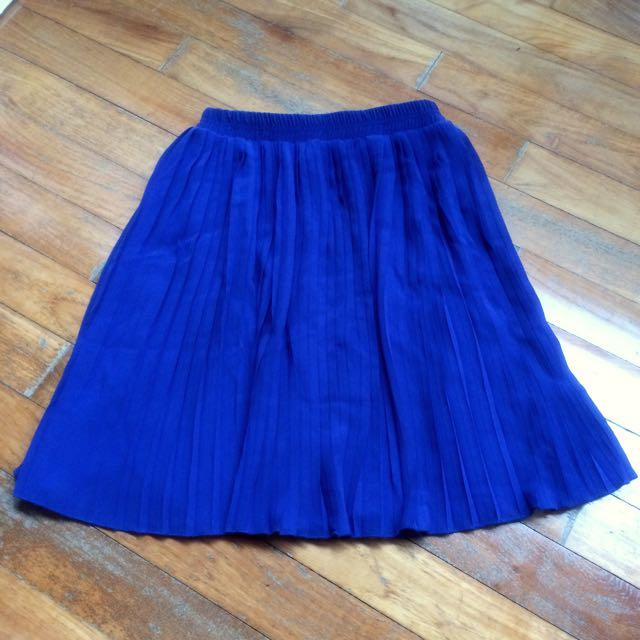 Knife pleated skirt