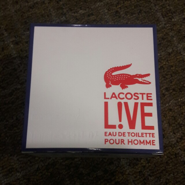 lacoste live and white