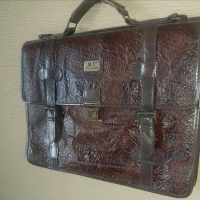 MARC CHANTAL. Genuine Leather.