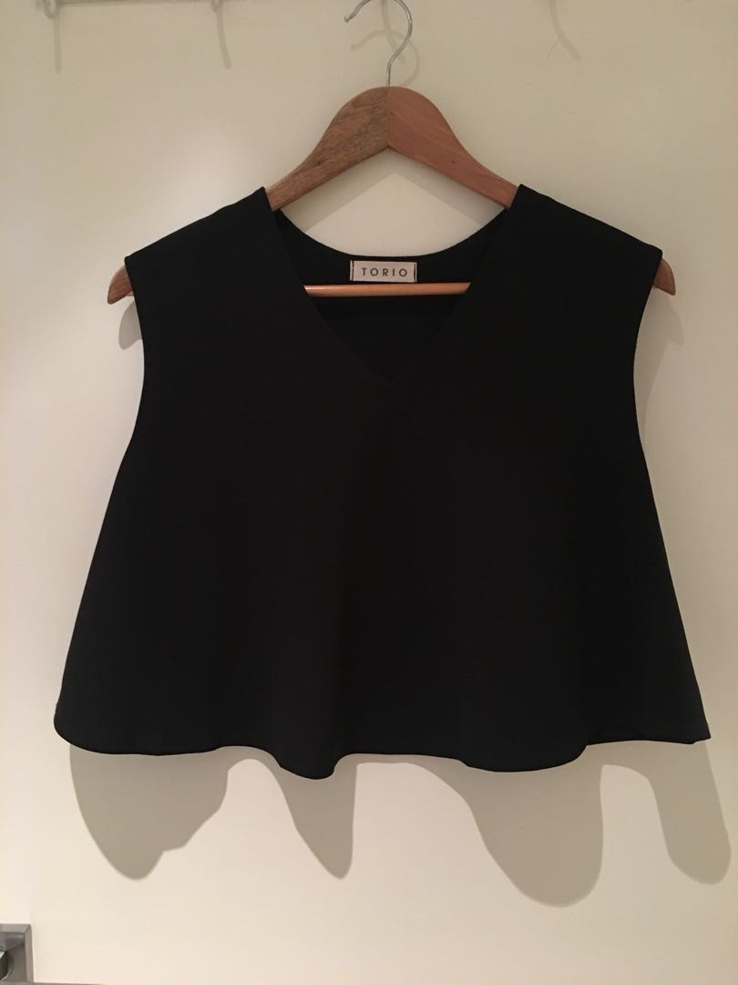 NEW V neck loose fit crop top