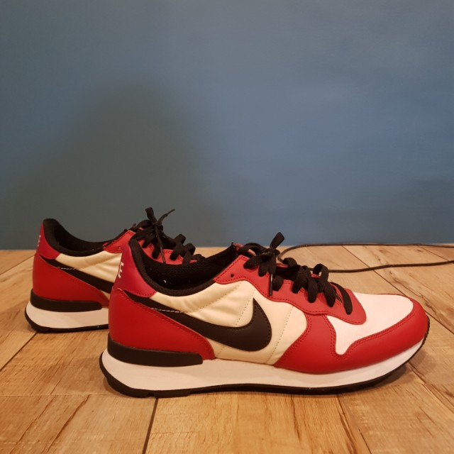 Nike internationalist red white colorway